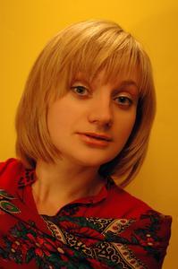 Medellång & korta frisyrer med lugg för kvinnor