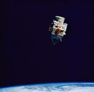 Vad är skillnaden mellan mikrovågsugn & satellitkommunikation?