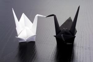 Hur man gör en Origami Gun från vika papper