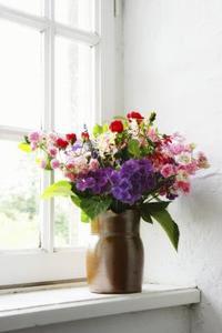 Historien av konstgjorda blommor
