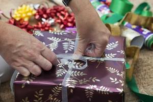 Traditionella andra årsdagen gåvor för en Man