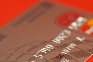 Hur man använder en manuell kreditkort maskin
