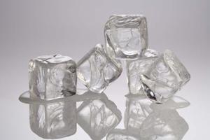 Hur man målar med isbitar