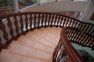 Hur gör jag ersätta som täcker trappa slitbanor?