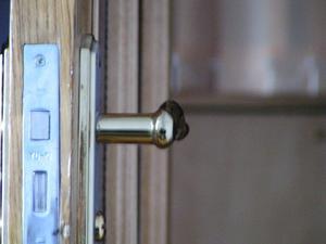Hur passar ett dörrhandtag