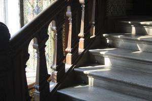 Hur tar jag bort mattan lim från betong trappa?