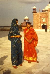 Stilar för lockigt hår för indiska flickor