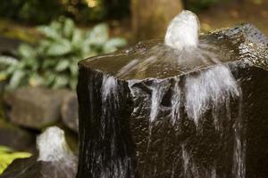 Hemgjord sten fontäner