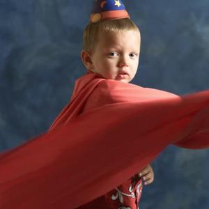 Hur man gör Homemade superhjälte Party gynnar för barn