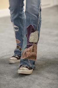 Hur till lapp ett barns Jeans