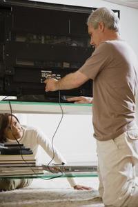 Hur du ansluter en TV-mottagare till U-Verse Service
