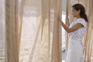 Hur man färga gardiner en ljusare nyans