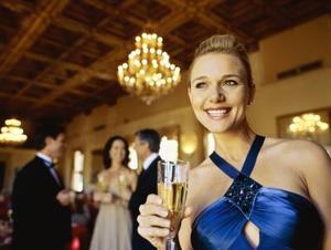 Vad ska en kvinna ha till en slips Gala?