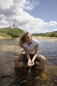 Hur att rensa damm vatten naturligt