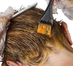 Hur man gör vegetabiliska hårfärgningsmedel