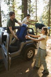 Hur man installerar Jeep Wrangler dörrar