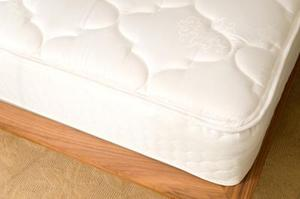 Hur kan man förhindra en madrass från att glida
