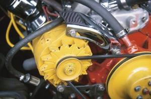Hur man lägger ett internt reglerad generatorn på en gammal bil