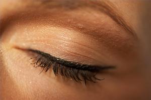 Hur man upptäcker kolesterol inlåning i ögonlocken