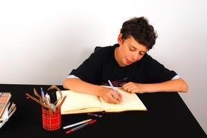 Kreativt skrivande tävlingar för tonåringar
