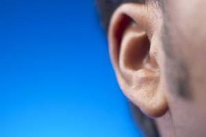 De bästa sätten att bli av med öronvax