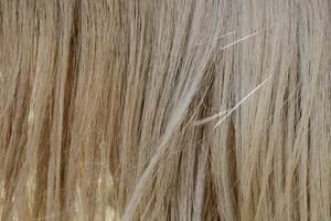Vad gör kvinnors hår stopp växande & sprött?