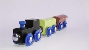 Hur man gör en träleksak träna med järnväg