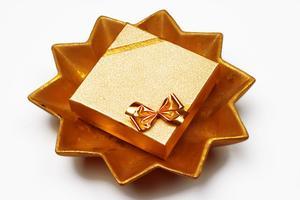 Gratis instruktioner att göra dekorationer för en 50-bröllopsdag