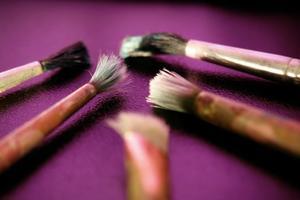 Hur man målar bleka hudtoner