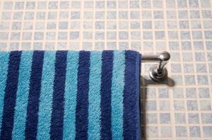 Hur man kan hänga dekorativa handdukar