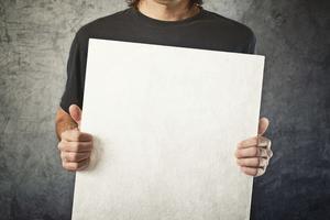 Vad är fördelarna med affischer för reklam?