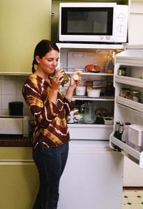 Hur bli av dofter i kylskåp
