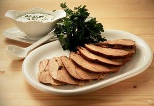 Matlagning instruktioner för benfria ben av lamm