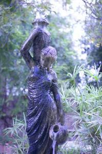 Trädgårds-prydnadar & statyer