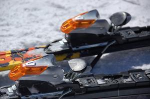 Hur att packa skidorna i en Ski väska