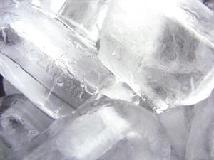 Hur man gör en luftkonditionering från en Styrofoam svalare