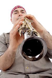 Hur man lär sig att använda en sopransaxofon
