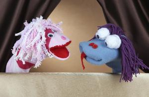 Hur man gör en flicka strumpan marionett
