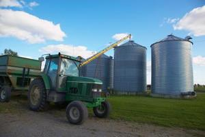 Hur man rengör injektorn på en Ford traktor