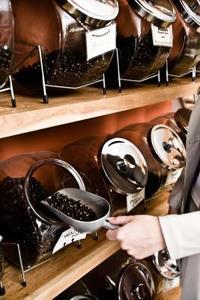 Hur att dränera vatten från Keurig kaffebryggare