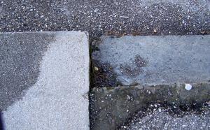 Hur du nivå en ojämn betongplatta