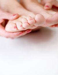 Vad är orsakerna till brännande fötter?