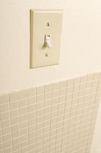 Elektriska ledningar skillnaden mellan single pole & dubbla pole växlar