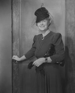 Vilken typ av kläder kvinnor bära under 1930-talet?