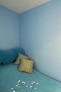 Hur man kan inreda ett sovrum i blått