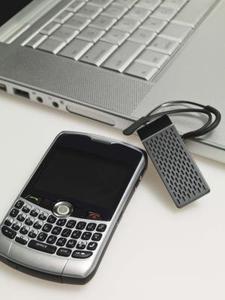 Flytta genom en BlackBerry Curve meny med Trackball