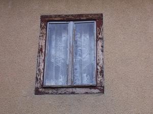 Hur man byter en trasig casement fönster skärp
