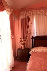 Dekorativa idéer för rosa & brun Flickans sovrum