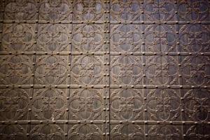 Hur får man gamla tapeter från väggarna