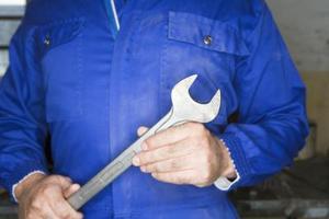 Hur man byter bränslepumpen på en Chevy Lumina